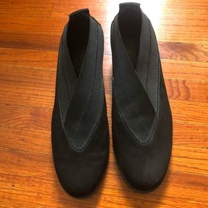 The FLEXX black suede slip on wedge shoes size 10
